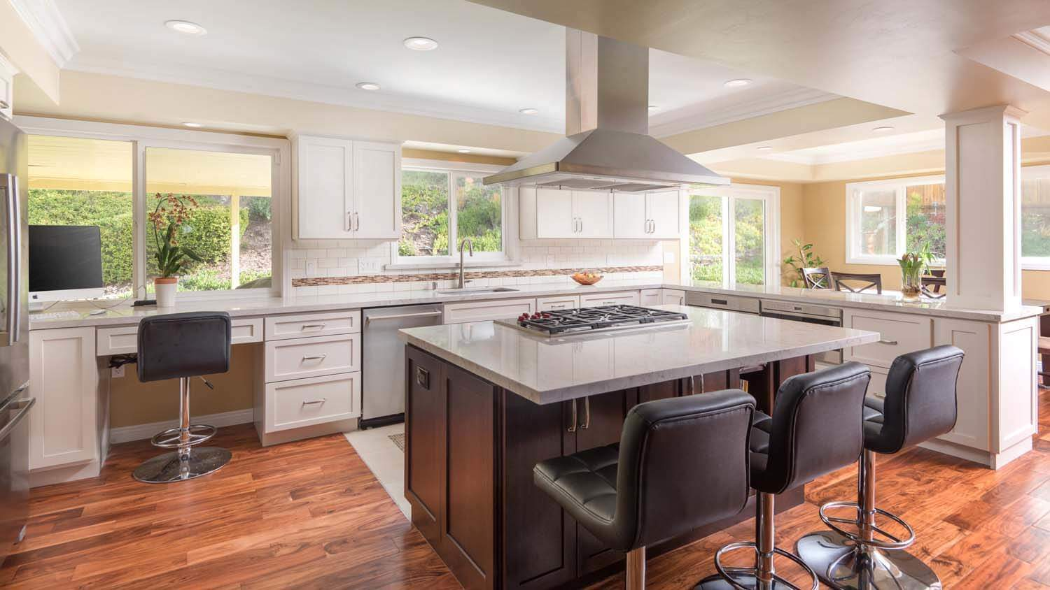 Open versus closed kitchen remodel - Kitchen designer san diego ...