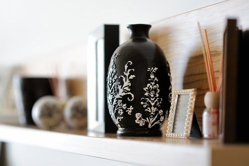 vase closeup in decorated living room - home remodeling Temecula
