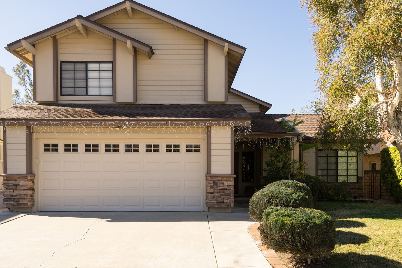 Frontyard backyard exterior house remodel photos san diego - Exterior paint coverage on stucco ...